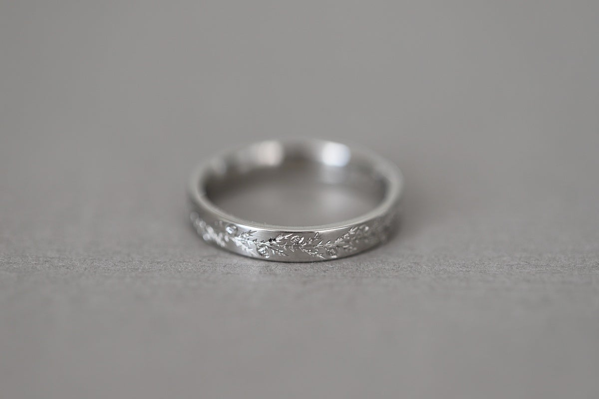 Image of platinum, 3mm flat court 'fir engraved' ring
