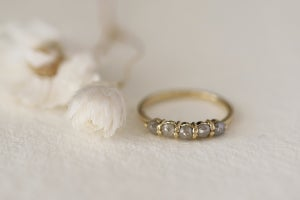 Image of 18ct gold grey rose-cut semi-eternity diamond ring (IOW160)