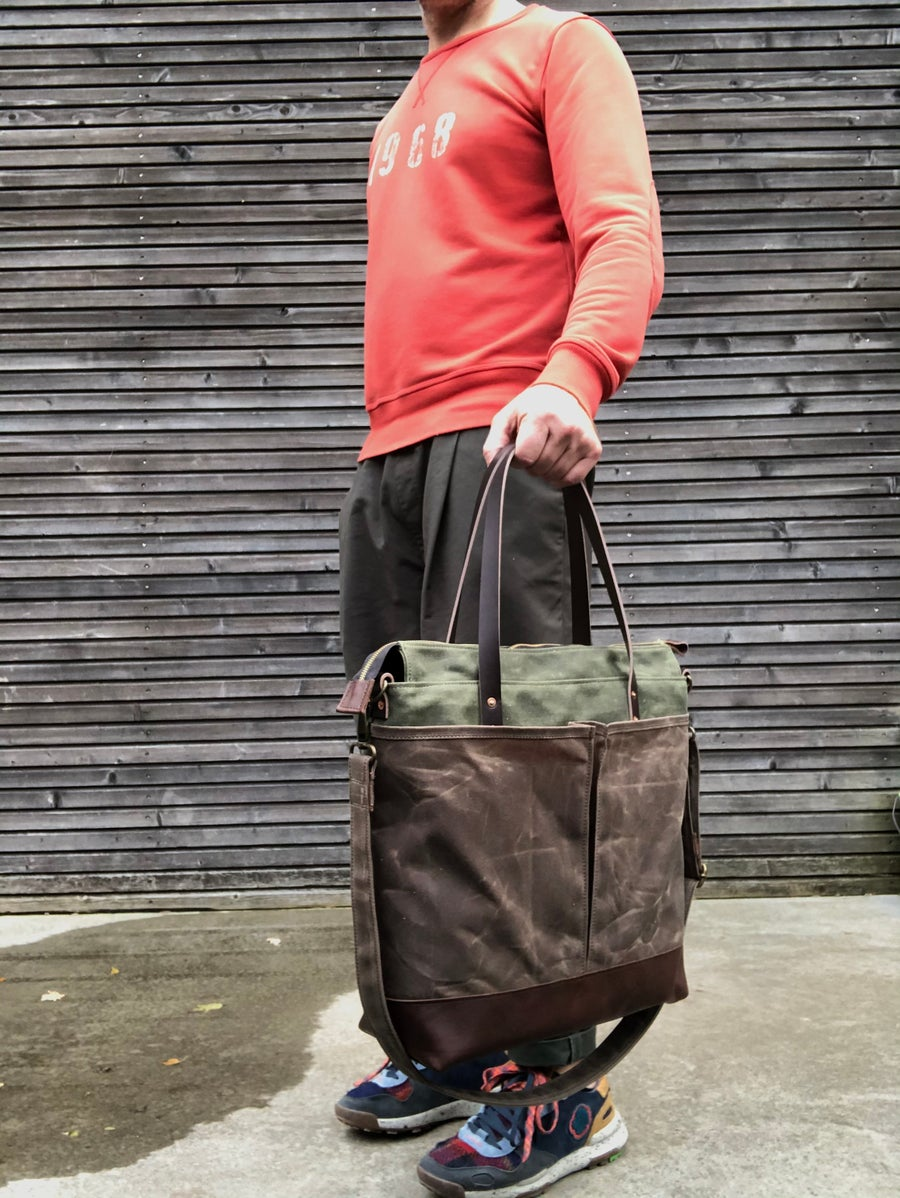 Image of Diaper bag / weekend bag in waxed canvas with leather handles and bottom COLLECTION UNISEX