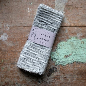 Image of Wrist Worms, Thick Wool, Speckled Grey