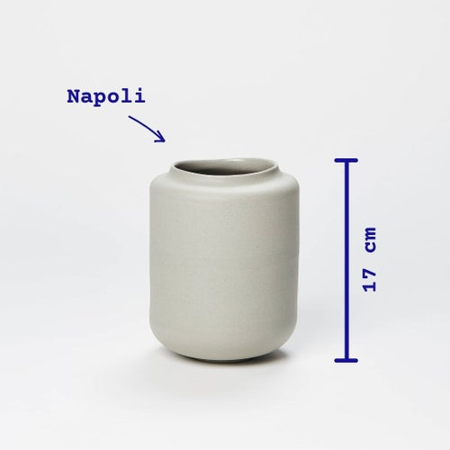 Image of mare Napoli vase