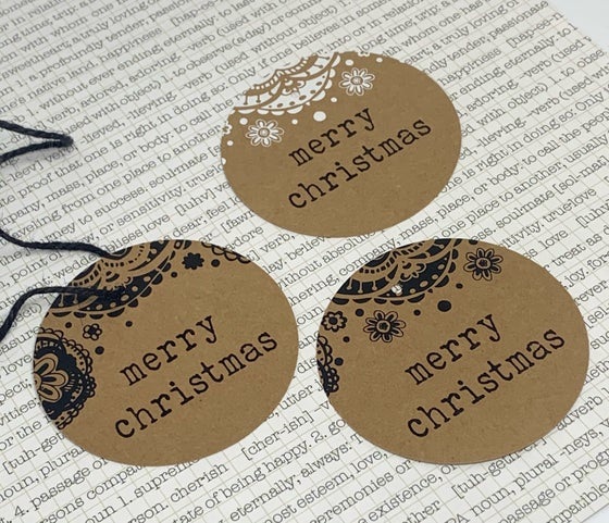 Image of bauble gift tags