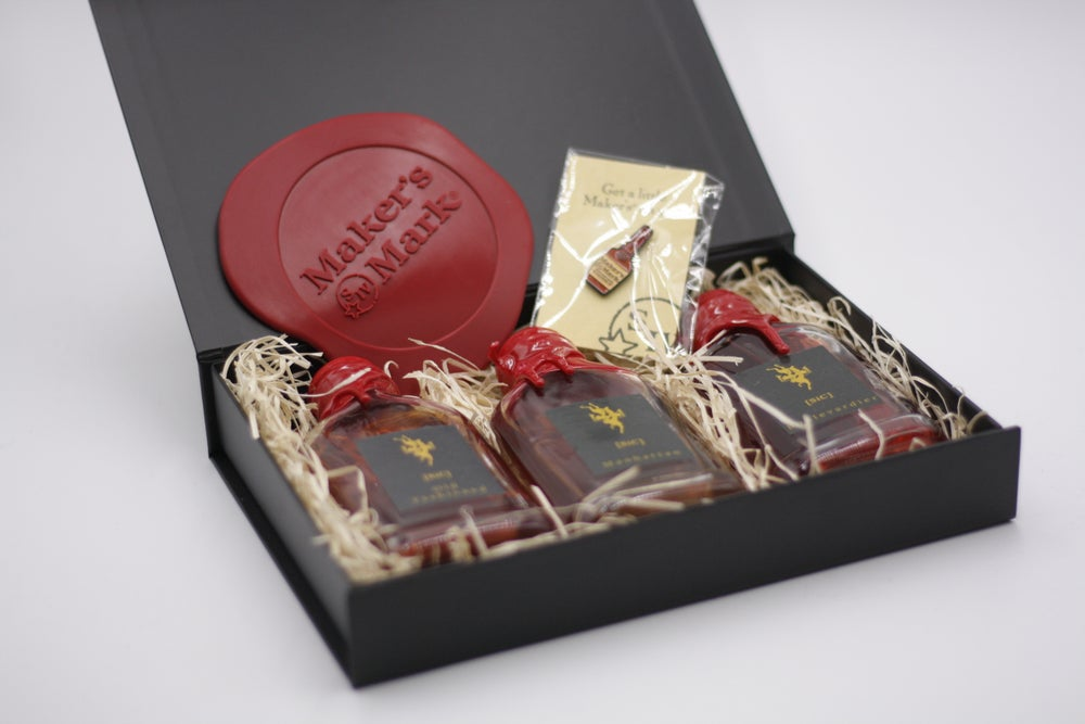 Old Fashioned gift set with pin badges and coaster