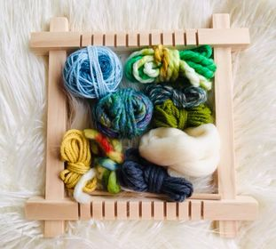 Image of Small Weaving Loom with a Fibre Pack and Instructions
