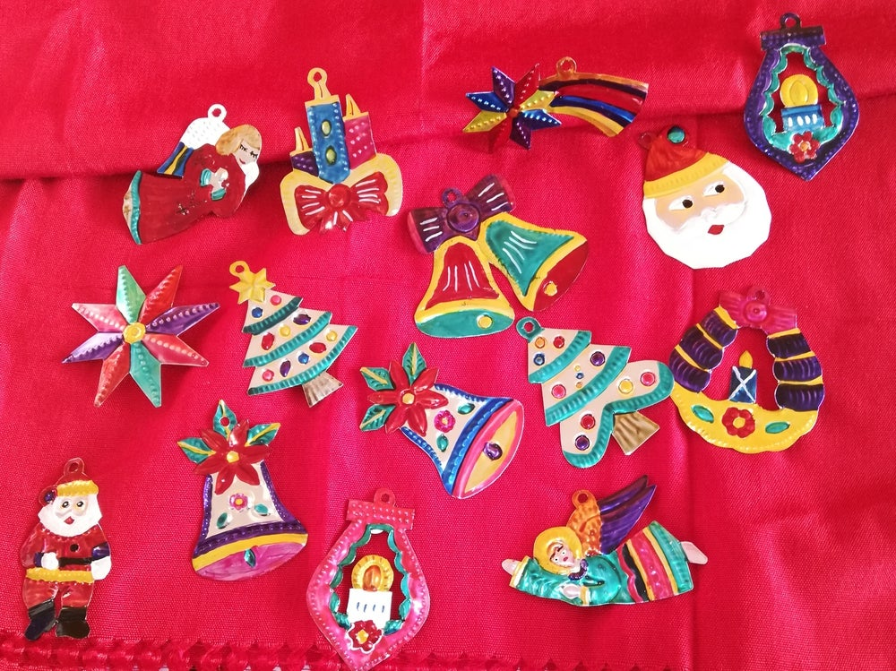 Image of Oaxacan tin ornaments with Guerrero basket