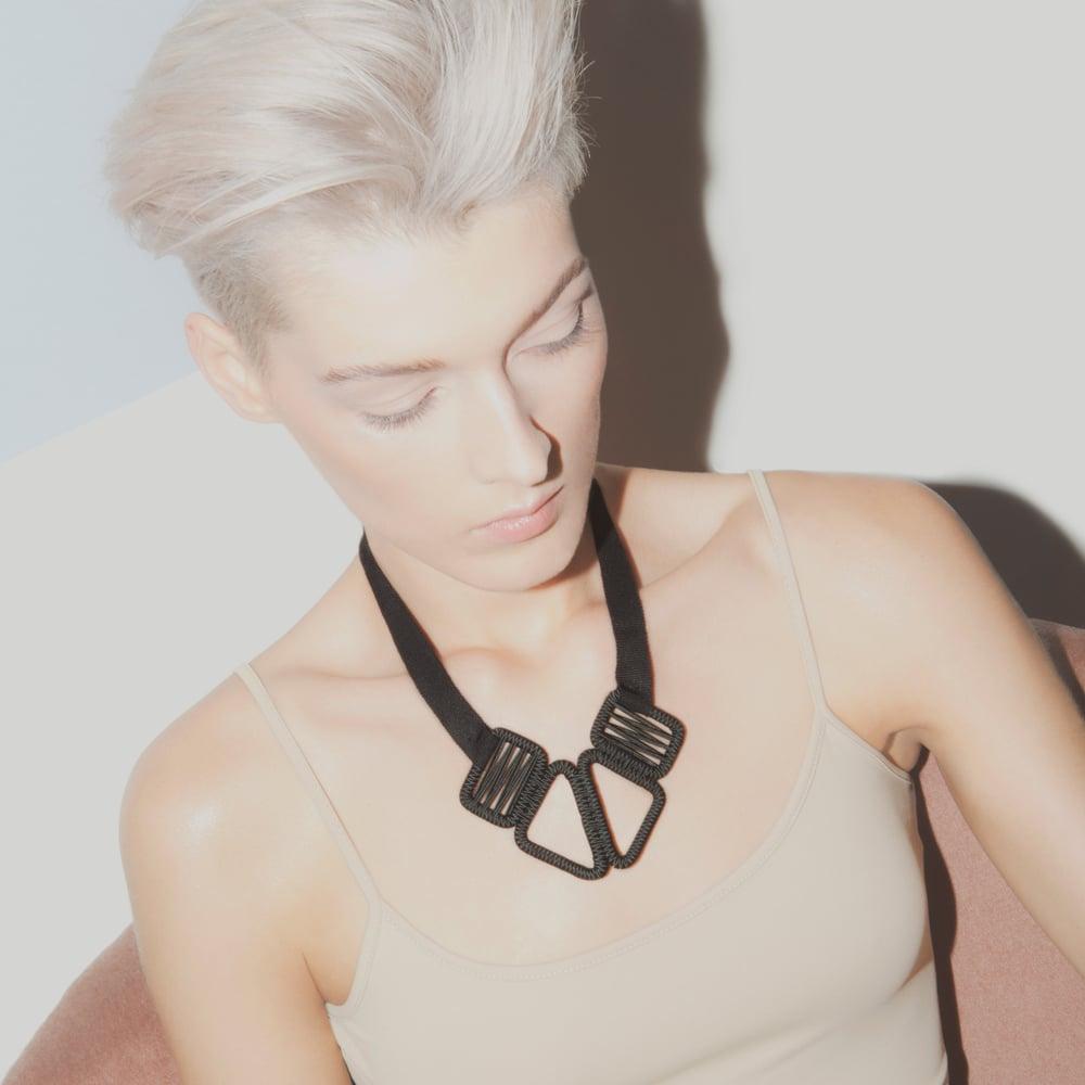 Image of short woven necklace #943, color 10B (carbon/bronze)