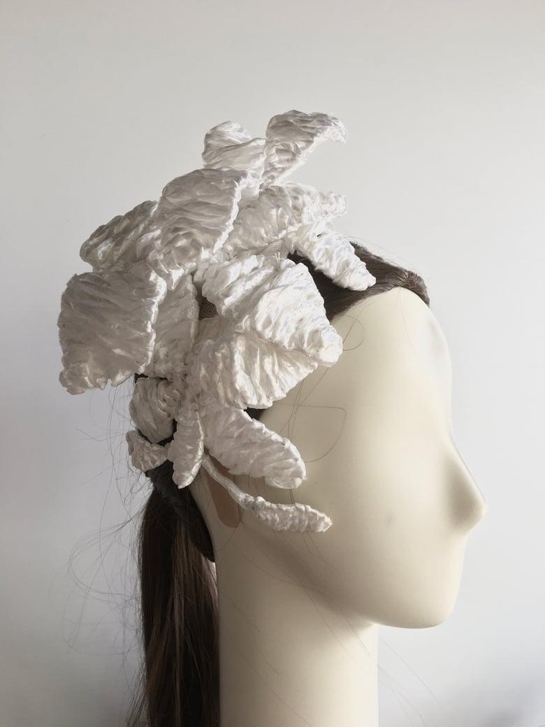 Image of White raffia flowers headpiece