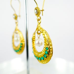 Image of Yellow gold plated and pearl ottoman earrings. M3158