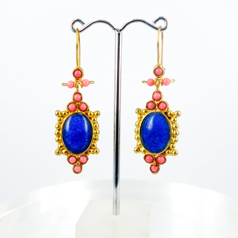 Image of Yellow gold plated and pearl ottoman earrings. M3162a