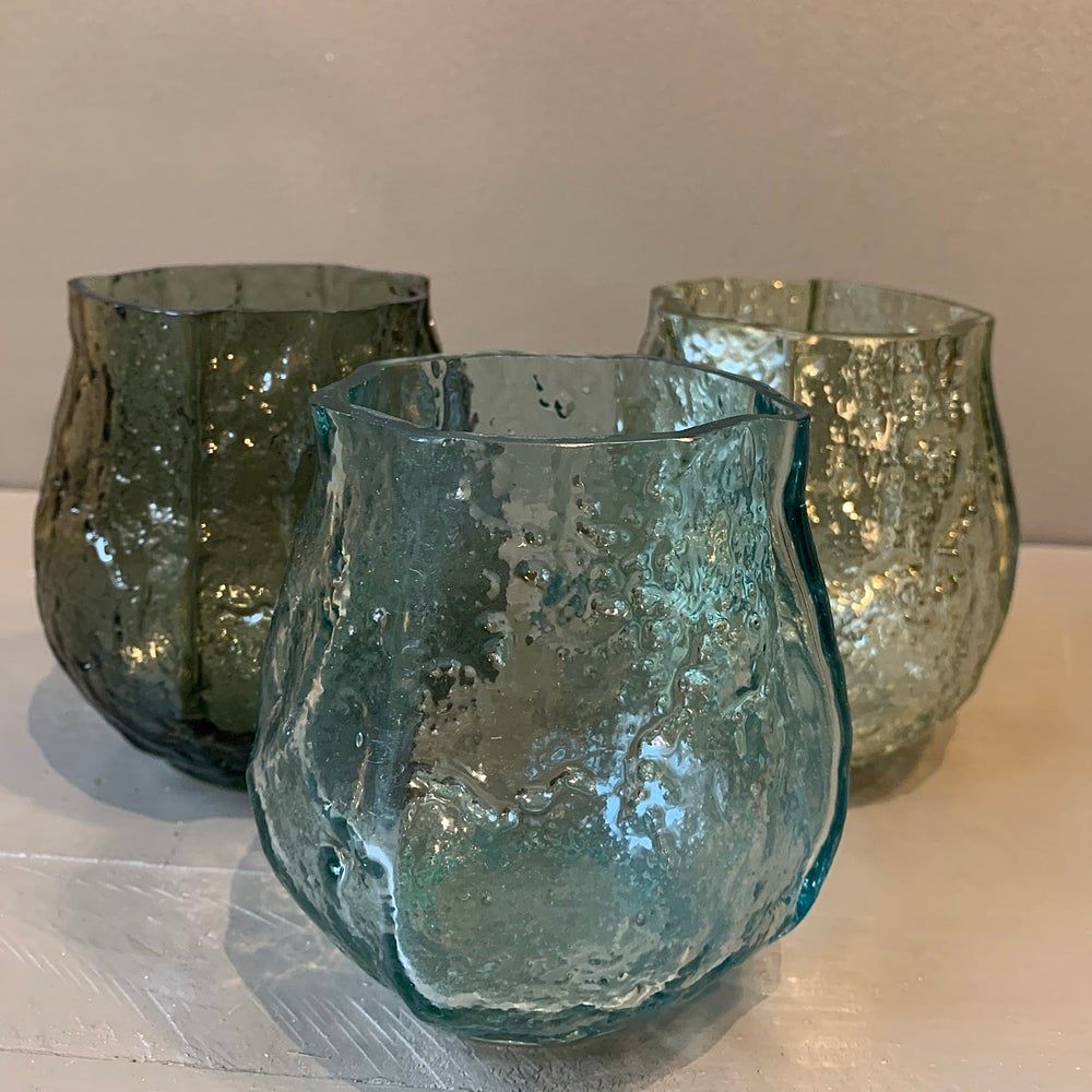 Image of 3 vases  aux couleurs assorties