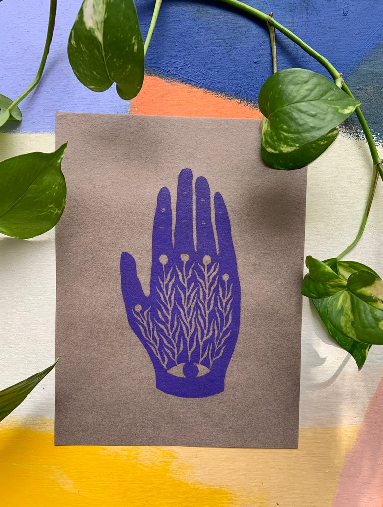 Image of Centered in Palm: Violet on Toned Paper