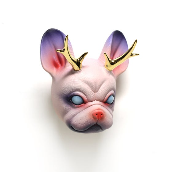 Image of Chikkoi Frenchie (pink /open eyes/gold horns)