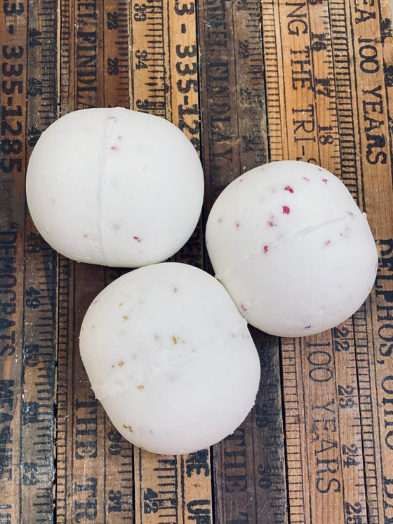 Image of Winter Snowball Jumbo Size Bath Bombs