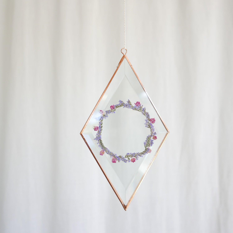 Image of Pressed Flower Suncatcher - Diamond Limonium