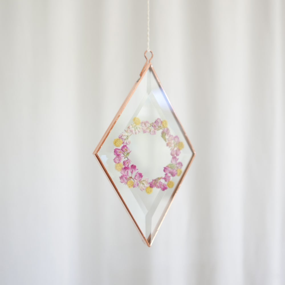 Image of Pressed Flower Suncatcher - Diamond Wreath