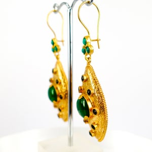 Image of Yellow gold plated and green-stone ottoman earrings. M3166