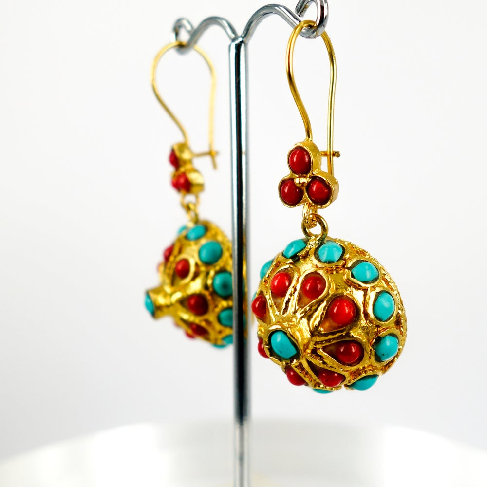 Image of Yellow gold plated Ottoman style earrings. M3168