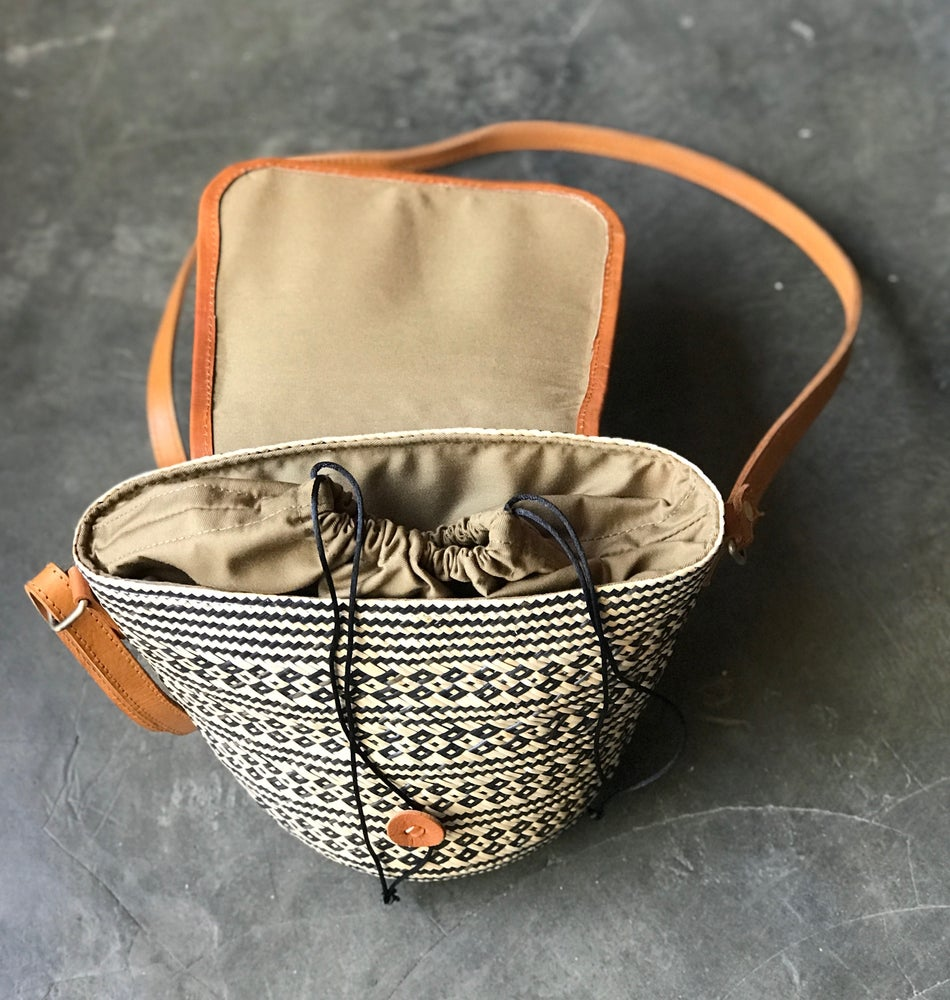 Image of PROVENCE | PETIT BUCKET BAG