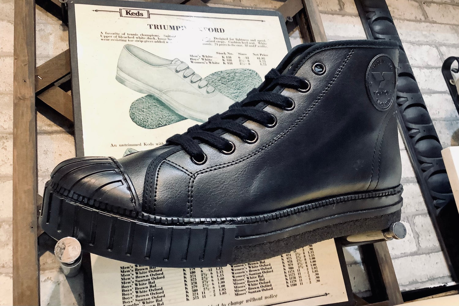 Image of Tortola  Black leather hi top sneaker shoes made in Spain
