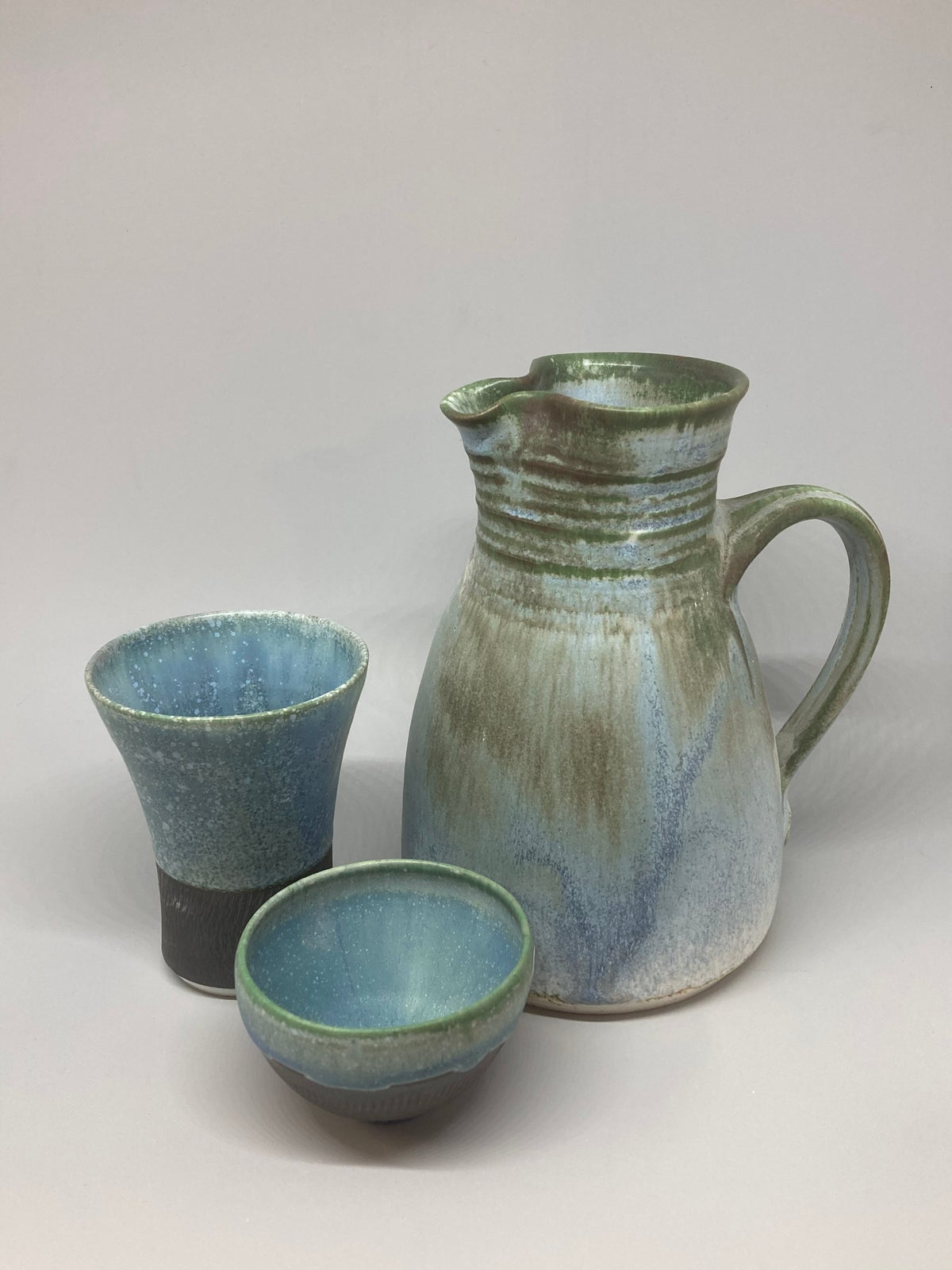 STRAIGHT JUG,  BEAKER & BOWL SET