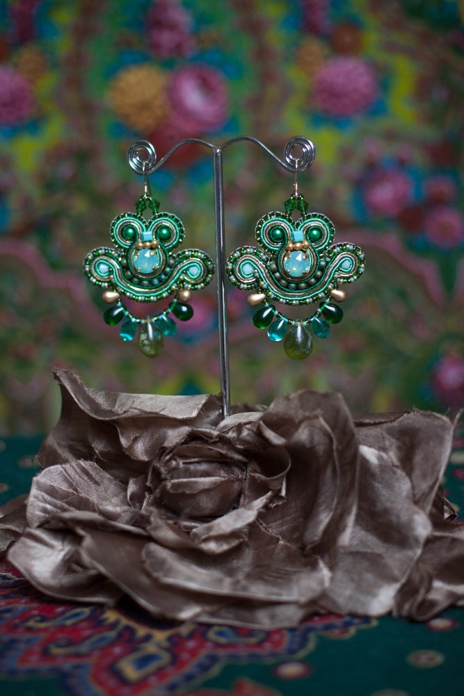 Image of Mini Earrings - Greenshot - Petites boucles brodées