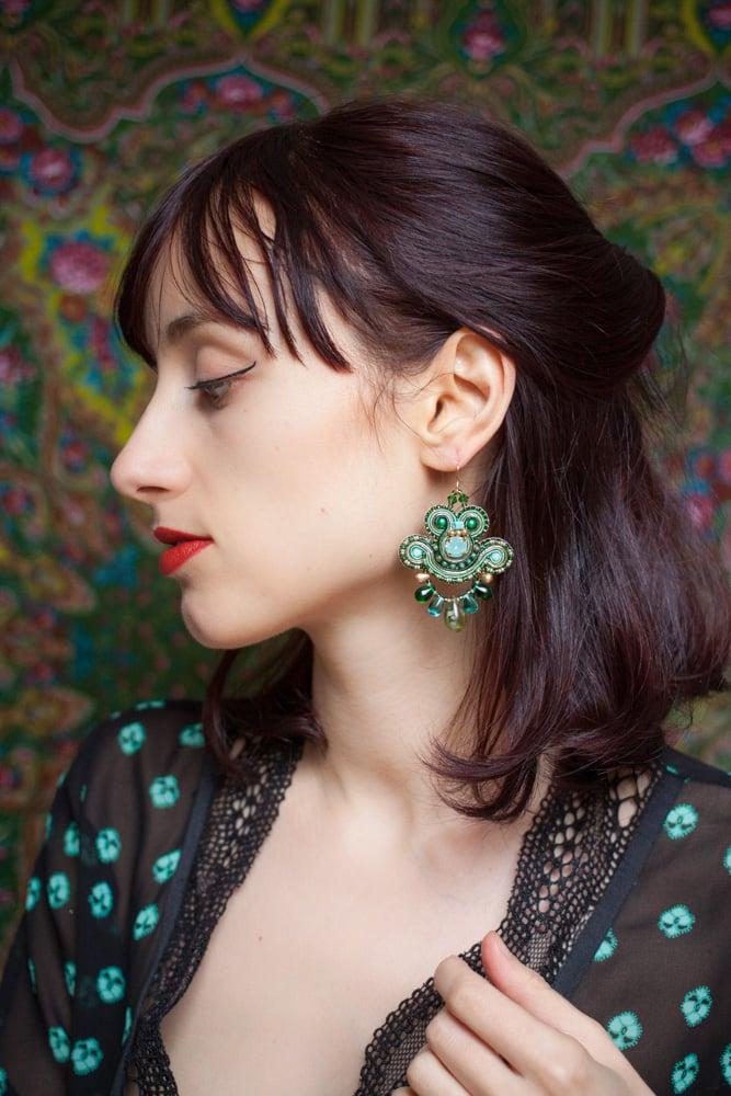 Image of Mini Earrings - Greenshot - Petites boucles brodées