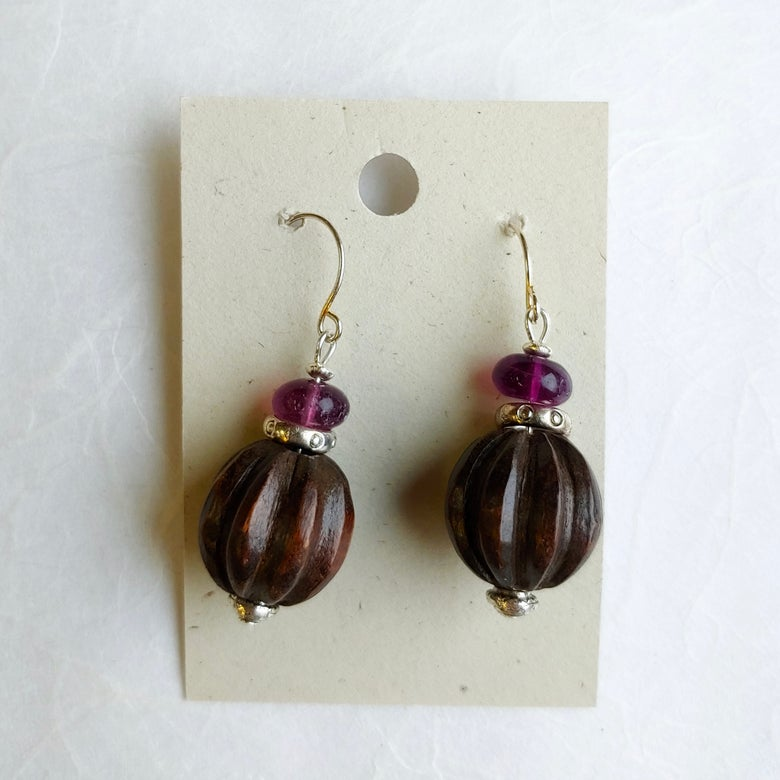 Image of Ebony and amethyst earrings