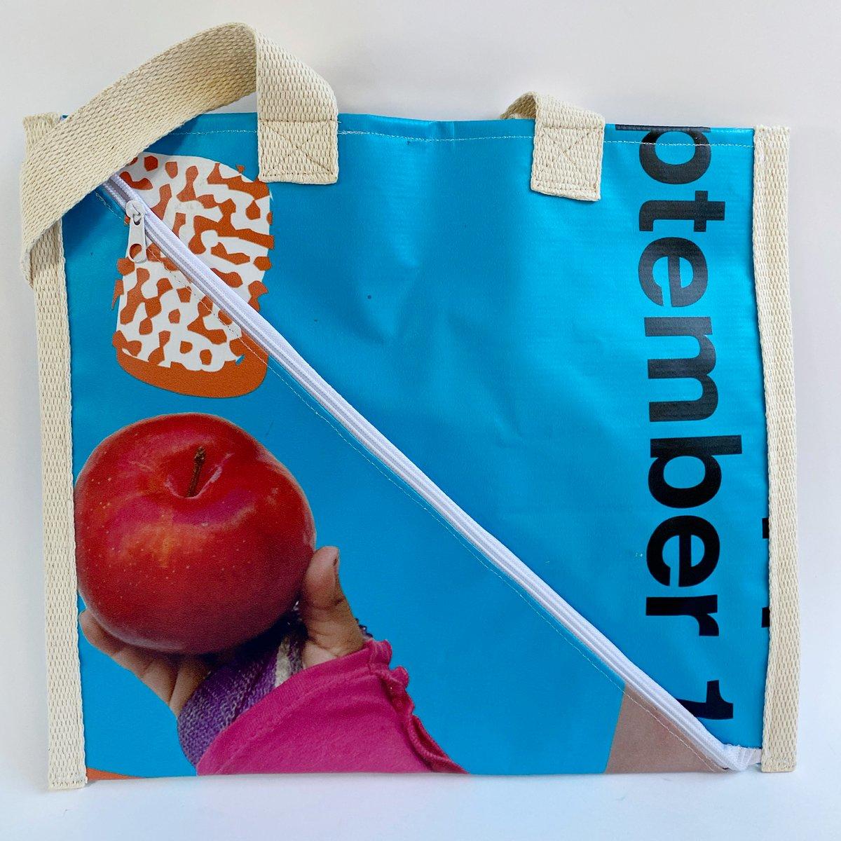 Image of Flat handbag with diagonal zipper
