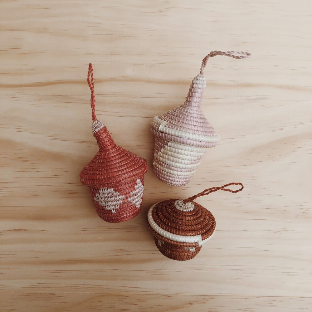 Image of basket trio ornaments
