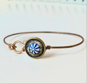 "Image of ""Cirque"" Vintage Button Bracelet"