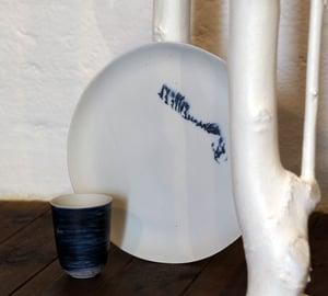 Image of Isabelle René - Grande Assiette Porcelaine / Blanc