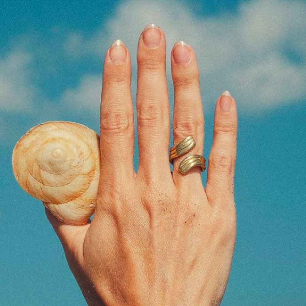 Image of LUINY Wavy ring & Luna Perla ring