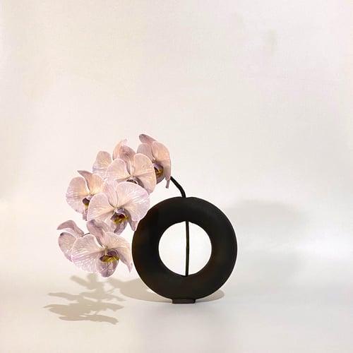 Image of Valeria Vasi Vacuum Vase