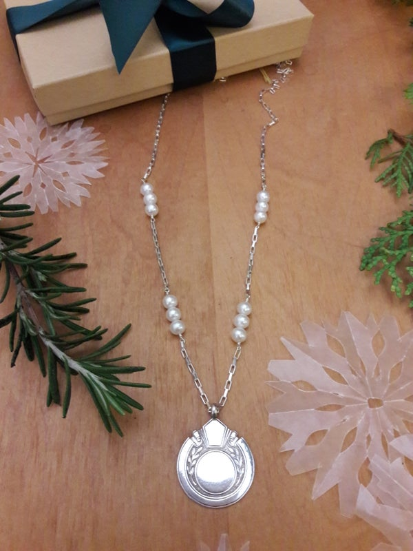 Image of Sterling box chain necklace with round Fob, item 6AP