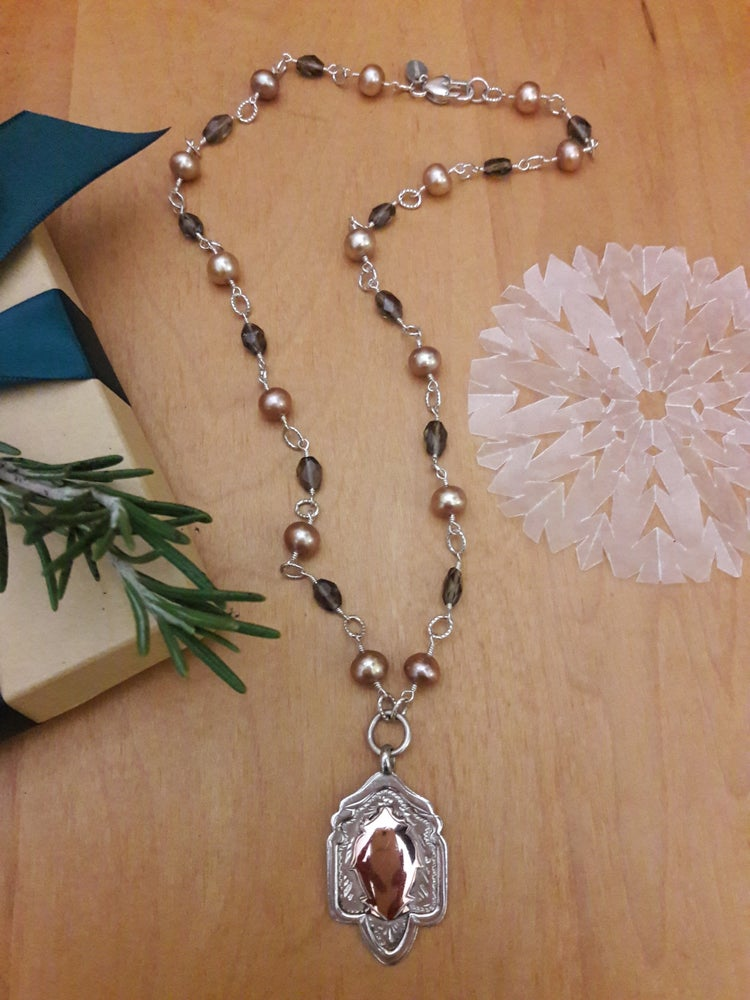 Image of Taupe pearls and smoky topaz ovals, item 5FI