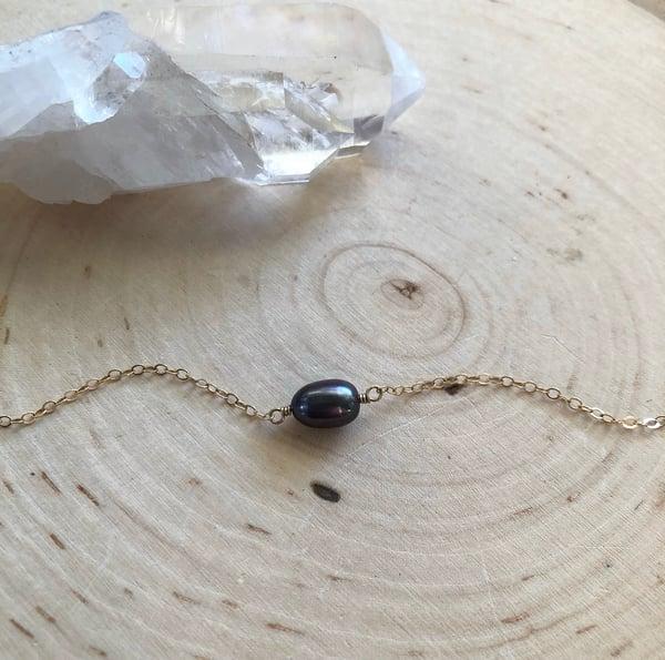 Image of Mini Purple Pearl bracelet
