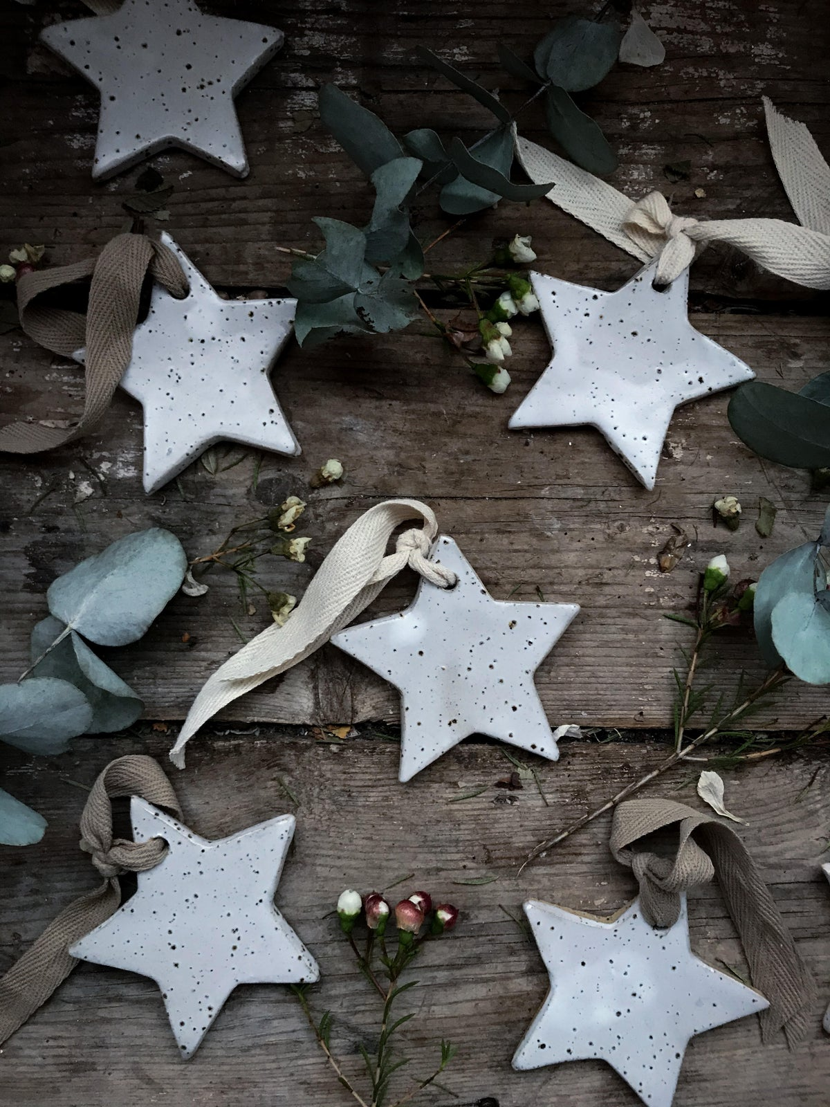 Image of White speckle Christmas stars