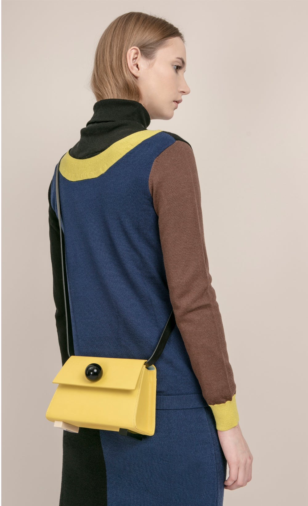 Reversible V Neck colourblock button back wool cardigan _ Navy and Black