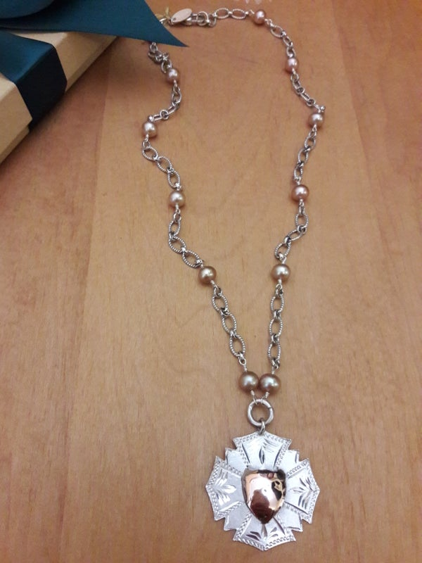 Image of Two-Tone Wreath Fob, Item 6AK
