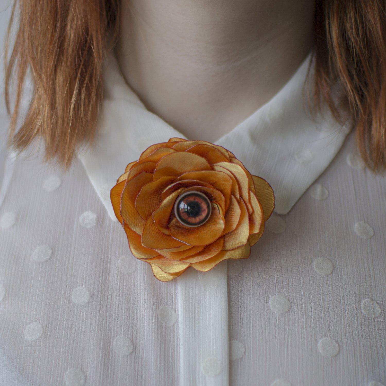 Image of Broche Weird Flower