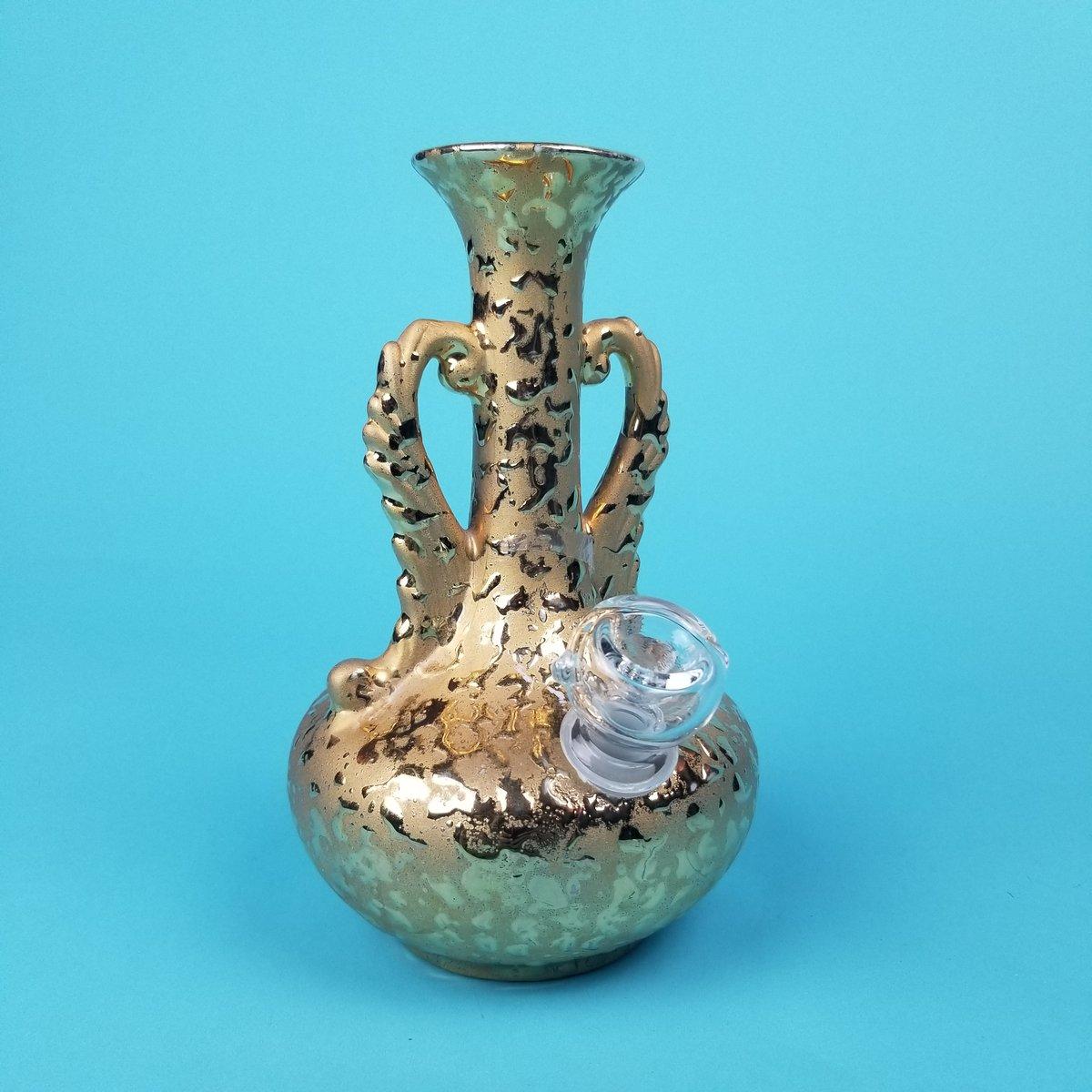 Image of 22k Weeping Gold Handle Vase