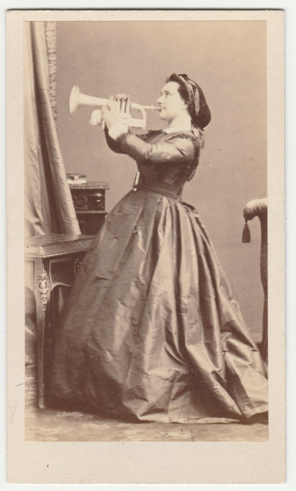 Image of Disdéri: Emilie Lacroix, playing trumpet, ca. 1865