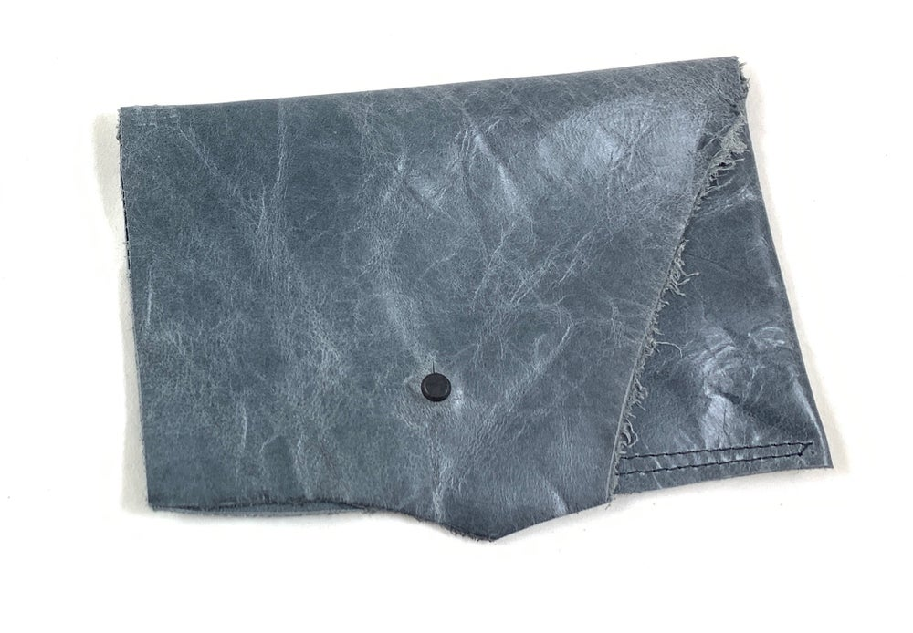 Image of pouch 2 (dusk blue)