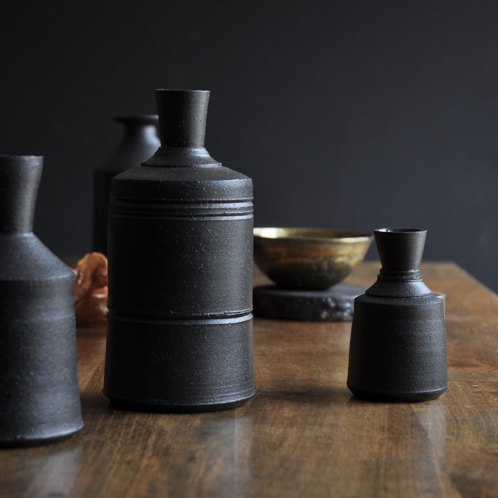 Image of Black Bottle 005