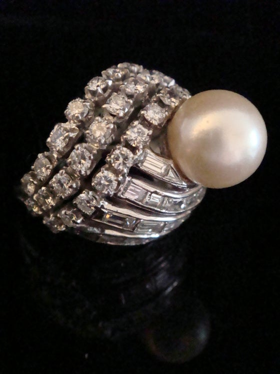 Image of RETRO 1970S 14CT NATURAL CULTURED PEARL AND DIAMOND 3.00CT DESIGNER RING 11G