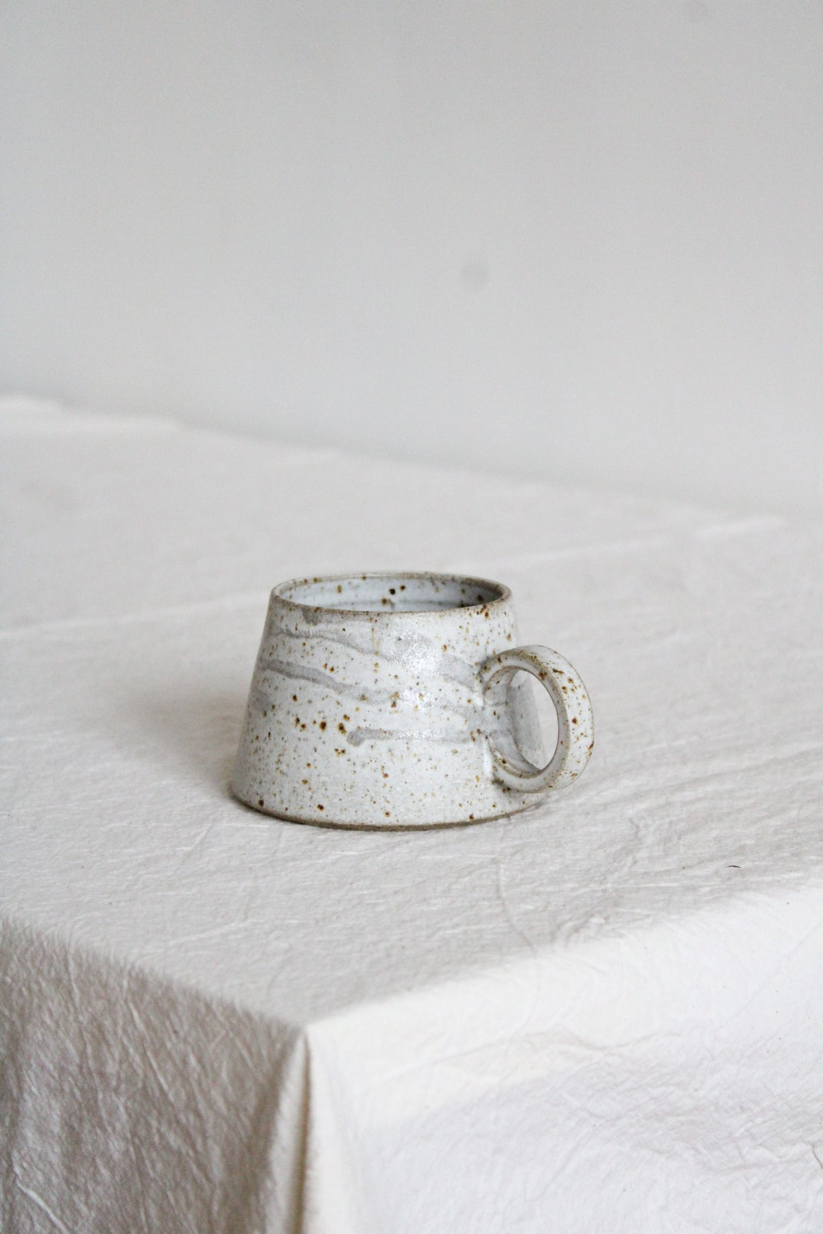 Image of SHORT MUG - white + drips