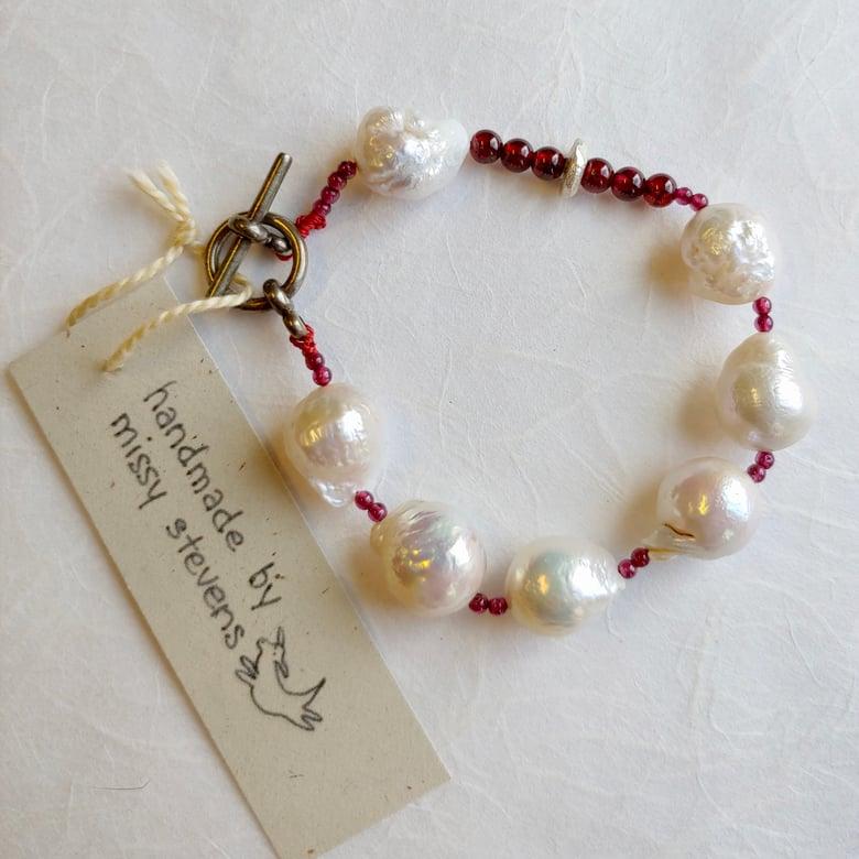 Image of Baroque Pearl and Garnet Bracelet