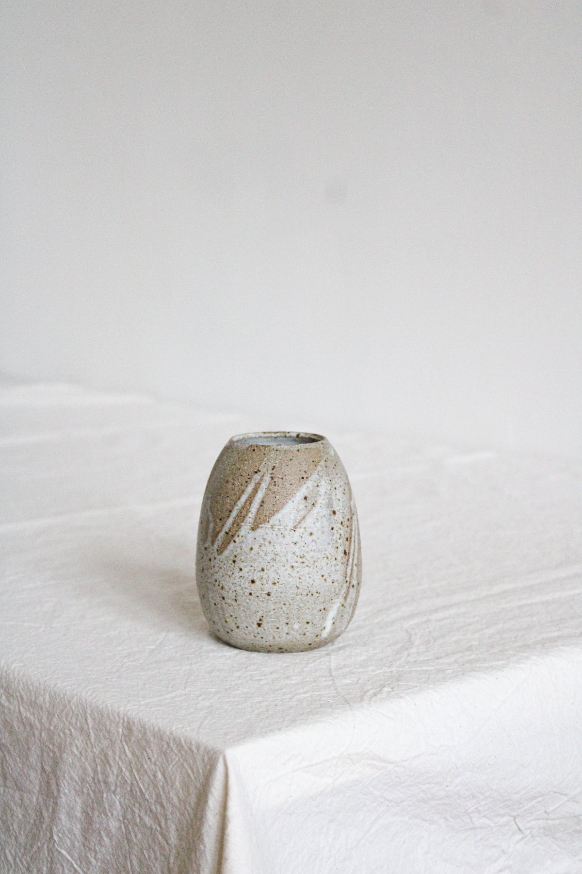 Image of egg shaped vase NO.1