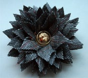 Image of Marguerite Pin (gold)