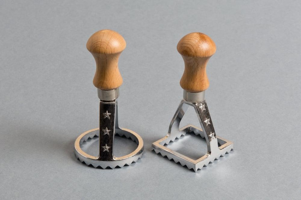 Image of STAMPO PER RAVIOLI  MOD. LUSSO / RAVIOLI STAMP MAKER CUTTER LUXURY MODEL
